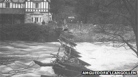 Pont Gadwynau Llangollen