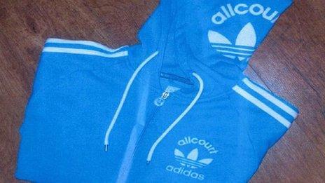 Geansaidh Adidas