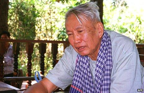 Former Khmer Rouge leader of Cambodia, Pol Pot, seen speaking to a journalists in his jungle hideout in January 1998