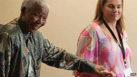 Nelson Mandela (L) and Zelda le Grange (R)
