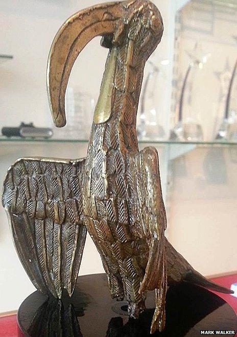 Oro bird bronze returned by Mark Walker