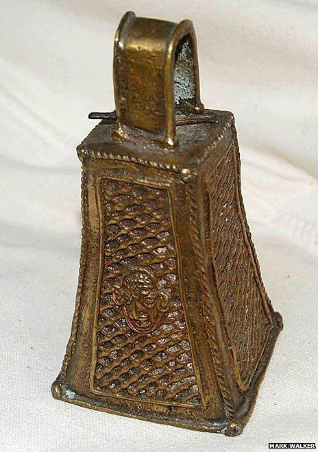 Bronze bell returned by Mark Walker