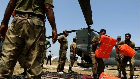 Aid arrives in the Tunsa area of southern Punjab 18 Aug 2010