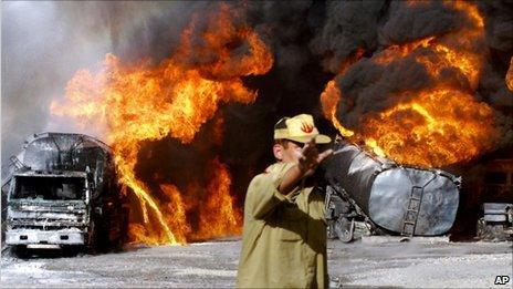 Tankers on fire near Quetta, Pakistan (6 Oct 2010)