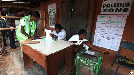 Voters are registered in Ibadan, Nigeria, 9 April