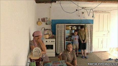 Chechen family - from Mantas Kvedaravicius' film