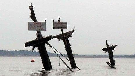 Masts of SS Richard Montgomery