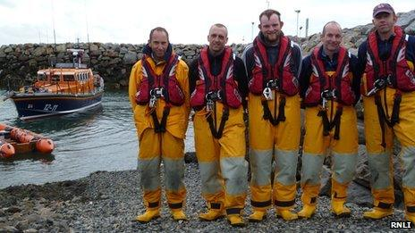 Leverburgh lifeboat and crew