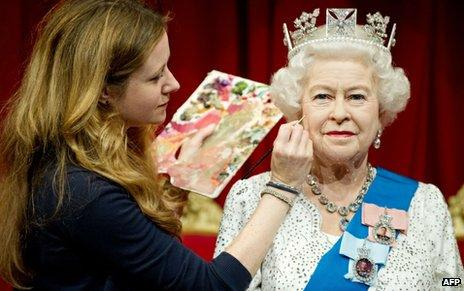 Waxwork of Queen Elizabeth