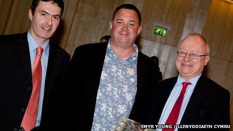Jason Walford Davies, Jon Gower a Leighton Andrews