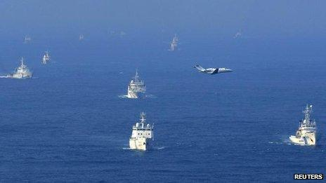 Chinese and Japanese vessels around the disputed islands in the East China Sea (18 September)