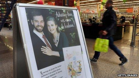 Sign about the royal wedding in a Luxembourg supermarket (12 Oct 2012)