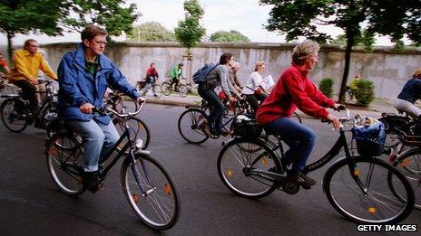 Cycle tourists in Berlin