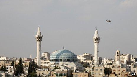 Jordanian military helicopter flies over Amman (11 October 2012)