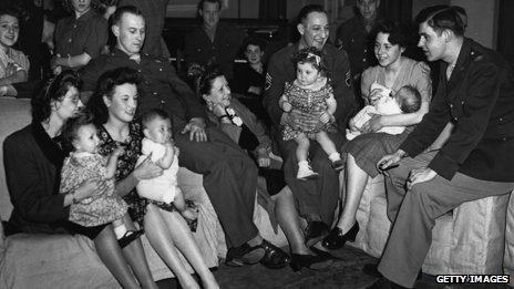 British wives of American GIs and their babies