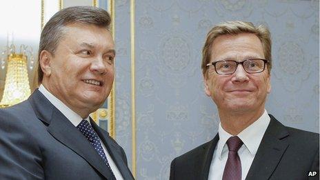 Ukrainian President Viktor Yanukovych, left, with German Foreign Minister Guido Westerwelle, 21 Jun 13