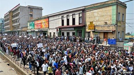 Thousands of Ethiopian opposition activists demonstrate in Addis Ababa on June 2, 2013 calling for government reforms and the release of political prisoners.
