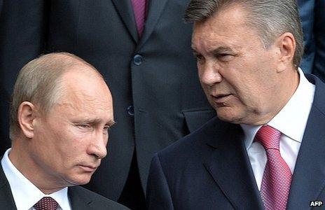Vladimir Putin and Viktor Yanukovych (file picture)