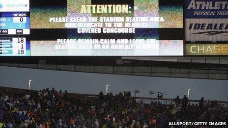 Evacuation warning at Chicago's stadium. Photo: 17 November 2013
