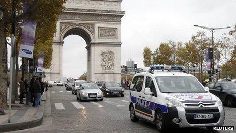 Champs Elysees, 18 Nov