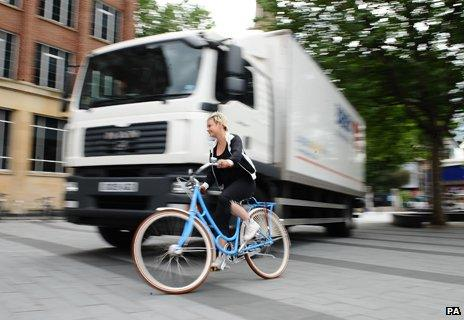 Cyclist and HGV lorry