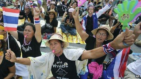 Anti-government protesters stage a sit-in at the Finance Ministry in Bangkok, Thailand, 26 November 2013