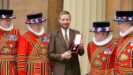 Sir Bradley Wiggins with Beefeaters