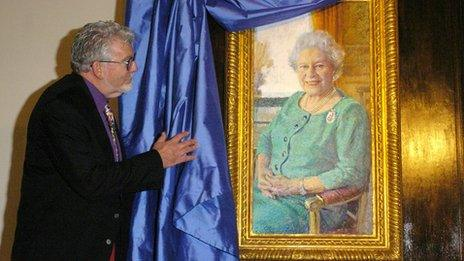 Rolf Harris with his portrait of the Queen in 2005