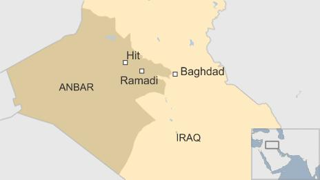 A map showing Hit and Ramadi, where mass graves have reportedly been found