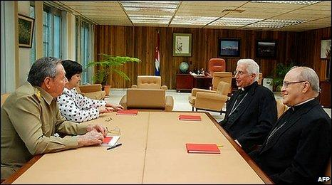 Cuban President Raul Castro (left) meets Cardinal Jaime Ortega and Archbishop Dionisio Garcia (right), president of the Cuban bishops' conference, in Havana