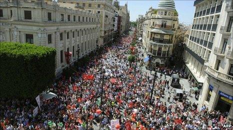 People demonstrate in Sevilla, 8 June