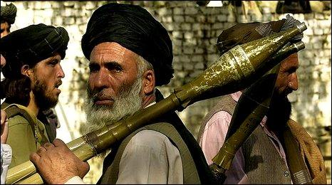 Taliban fighter in Torkham 2001