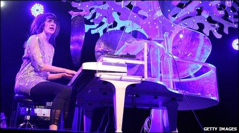 Imogen Heap on stage