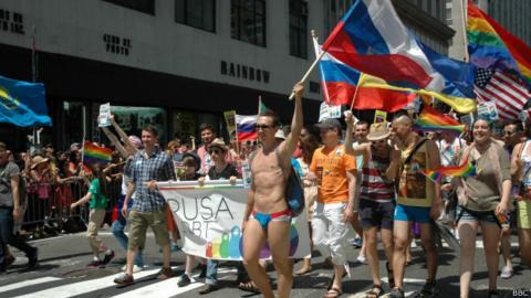 русские геи трахают смотреть