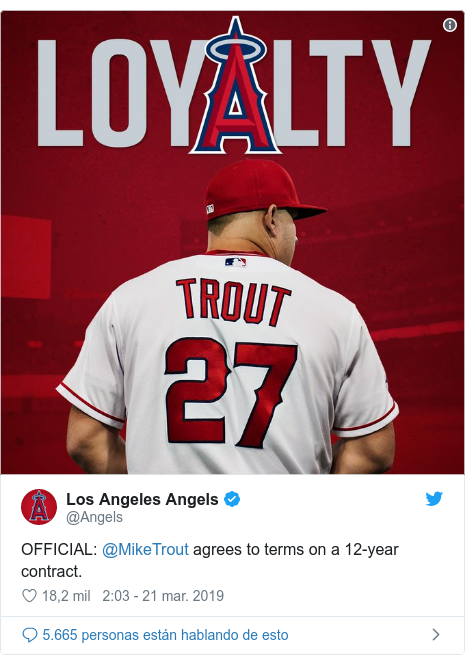 Publicación de Twitter por @Angels: OFFICIAL  @MikeTrout agrees to terms on a 12-year contract.