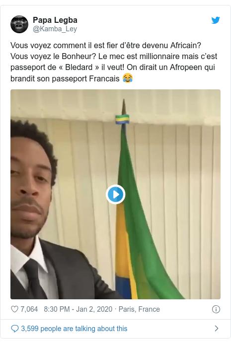 Twitter post by @Kamba_Ley: Vous voyez comment il est fier d'être devenu Africain? Vous voyez le Bonheur? Le mec est millionnaire mais c'est passeport de «Bledard» il veut! On dirait un Afropeen qui brandit son passeport Francais 😂