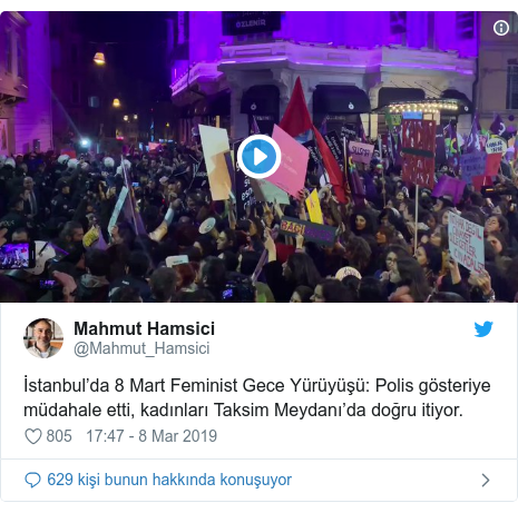 @Mahmut_Hamsici tarafından yapılan Twitter paylaşımı: İstanbul'da 8 Mart Feminist Gece Yürüyüşü  Polis gösteriye müdahale etti, kadınları Taksim Meydanı'da doğru itiyor.
