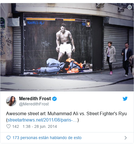 Publicación de Twitter por @MeredithFrost: Awesome street art  Muhammad Ali vs. Street Fighter's Ryu ()