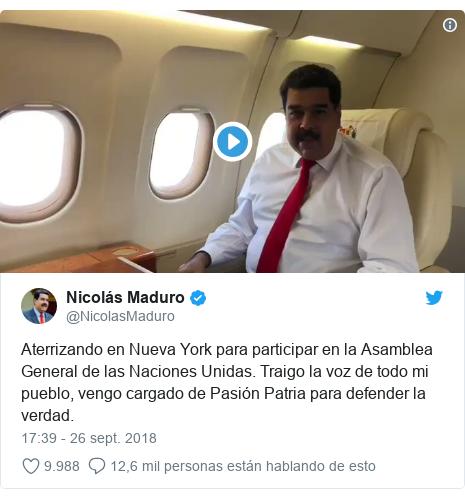 Publicación de Twitter por @NicolasMaduro: Aterrizando en Nueva York para participar en la Asamblea General de las Naciones Unidas. Traigo la voz de todo mi pueblo, vengo cargado de Pasión Patria para defender la verdad.