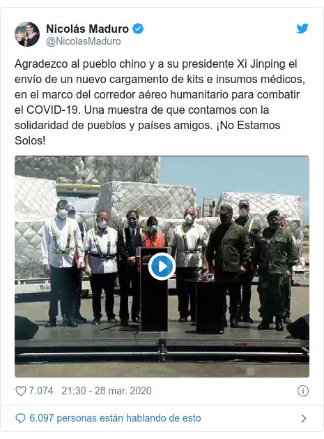 Publicación de Twitter por @NicolasMaduro: Agradezco al pueblo chino y a su presidente Xi Jinping el envío de un nuevo cargamento de kits e insumos médicos, en el marco del corredor aéreo humanitario para combatir el COVID-19. Una muestra de que contamos con la solidaridad de pueblos y países amigos. ¡No Estamos Solos!