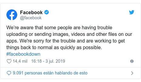 Publicación de Twitter por @facebook: We're aware that some people are having trouble uploading or sending images, videos and other files on our apps. We're sorry for the trouble and are working to get things back to normal as quickly as possible. #facebookdown