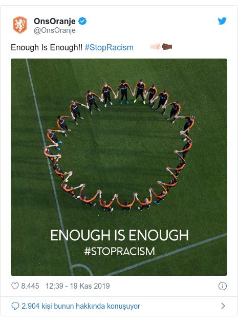 @OnsOranje tarafından yapılan Twitter paylaşımı: Enough Is Enough!! #StopRacism 🤜🏻🤛🏿