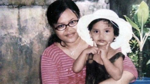 Sarah and her mum, Halila