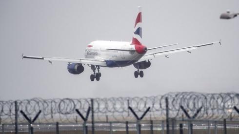 British airways plane landing at Heathrow, 2020