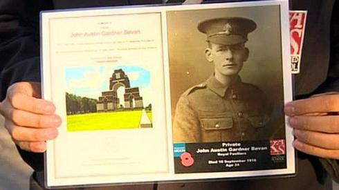 A card and picture of a soldier from World War One