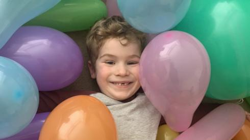 Theo and his balloons
