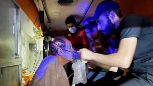 Covid patient prepared for evacuation from hospital