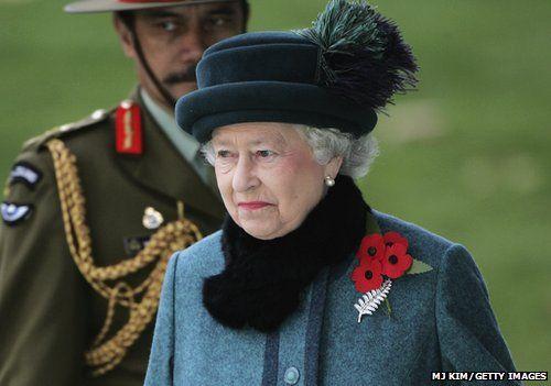 The Queen wearing her poppy