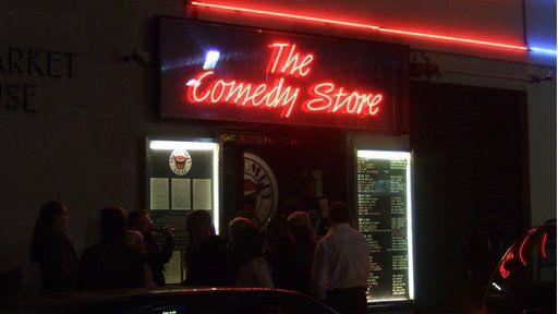 The Comedy Store yn hoff ddinas Tudur, Llundain
