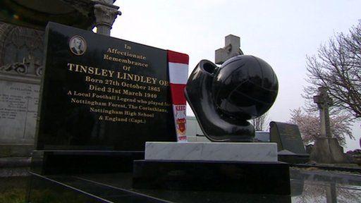 Tinsley Lindley's gravestone